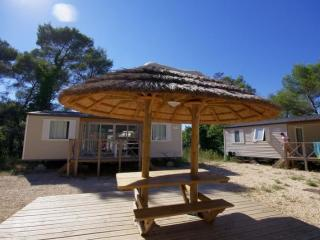 Mobile home rental Pinède : 4 persons