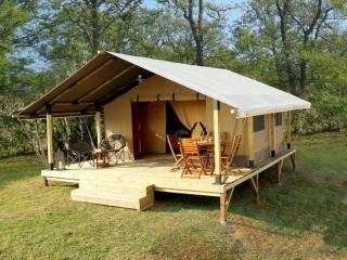 Visite virtuelle de la Tente Kenya au Camping Buffalo Hacienda