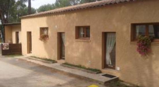 Location de studios pour 4 personnes - Côté Piscine
